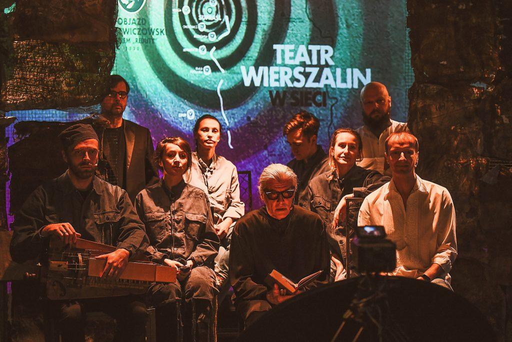 Objazd mickiewiczowski zdjęcie grupowe
